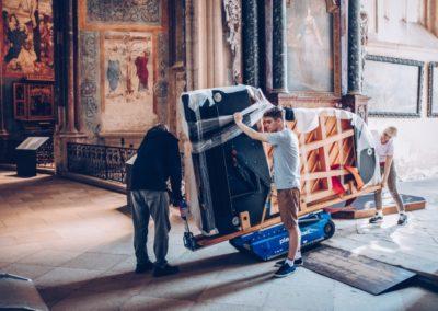 2.6.2019_1_Stěhování klavíru do sv.Barbory